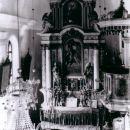 Oltar v cerkvi