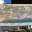 To je zemljevid celotnega posestva hotela, okorg vozi tudi busek, če nočete pešačit. Midva