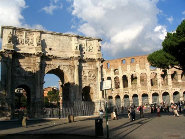 Rim - kolosej in Konstantinov slavolok v vsem svojem sijaju.  Canon Powershot A 75