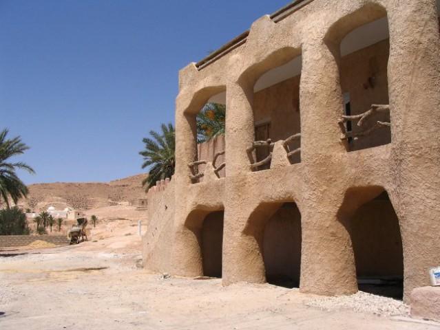 Tunizija - restavracija v puscavi  Canon Powershot A 75