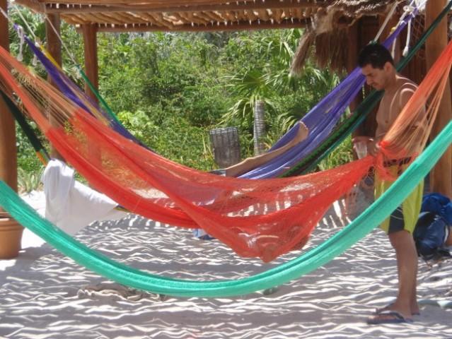 Ležanje v visečih mrežah in opazovanje sončnega zahoda je the best