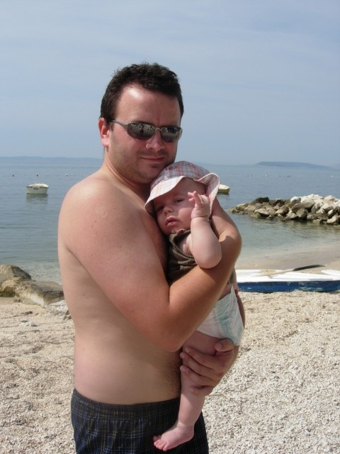 Z atijem na plaži