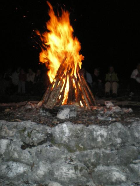 Ogenj gori :) ...