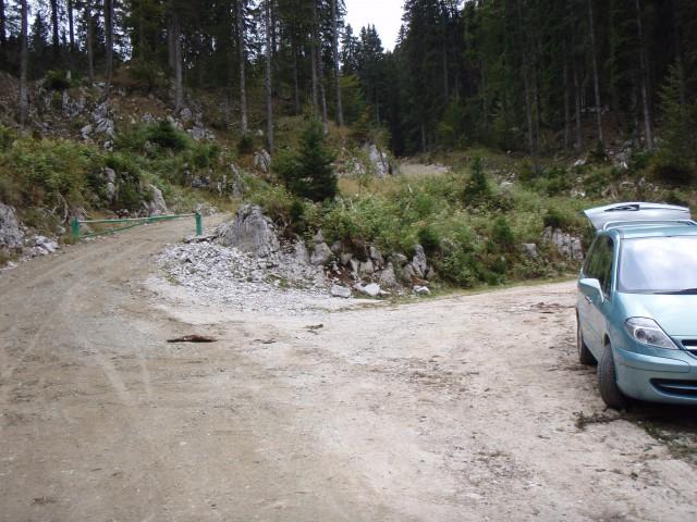 Parkirišče in štart proti Ratitovcu