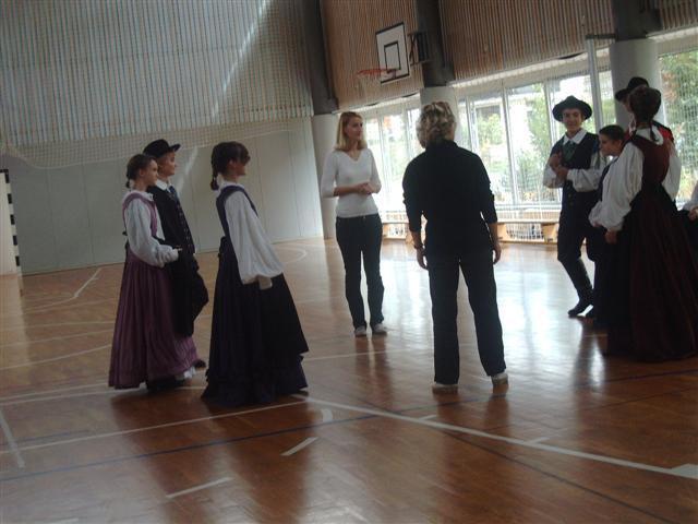 Plesna skupina - foto