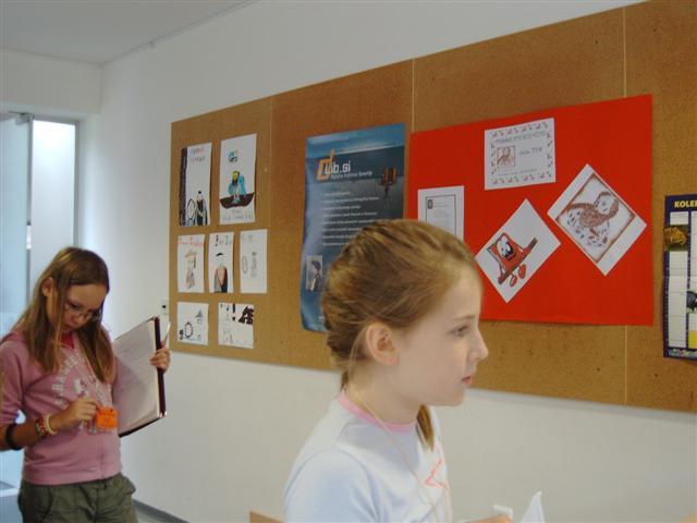 Novinarke šolskega časopisa - foto