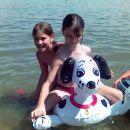 Mendi in njena prijateljica Ajla