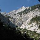 še enkrat - gore nad luknjo so Mali in Veliki greben