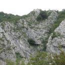 znameniti most imenovan Gnezdo in grebenček desno od njega
