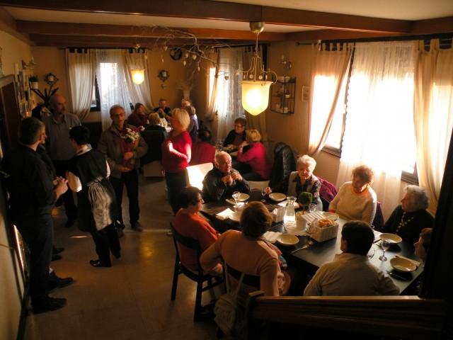 17 U3 Lovski dom - večerja - foto