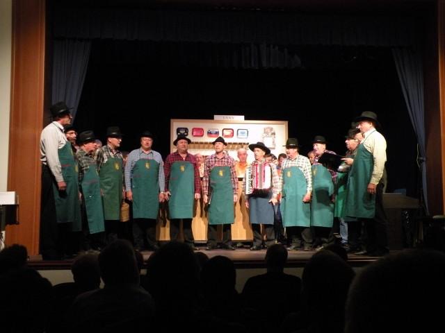 18 vaja pevskega zbora Radeče - foto