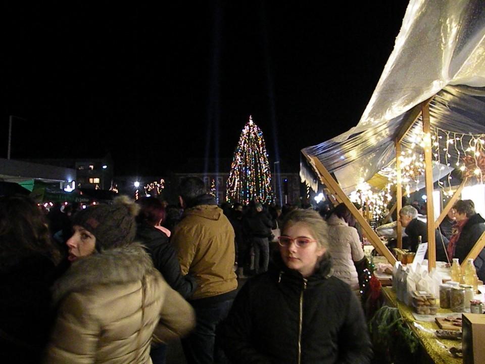 1.12.19 DPM Prižig lučk - foto povečava