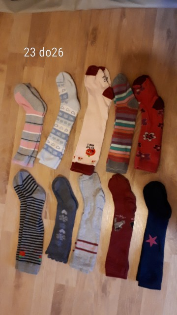 št 23 do 26, dokolenke, nogavice, lepo ohranjene, kom 1,5 evra v+ ptt