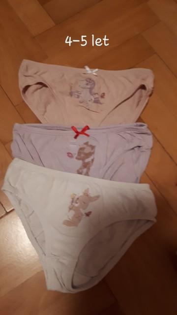 Spodnje perilo in nogavičke - foto