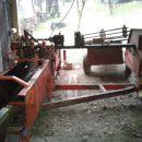 Preostalo ogrodje stroja,ko na njem ni več nobene pločevine