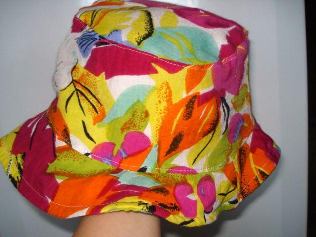 Poletni klobuček Hand made - foto