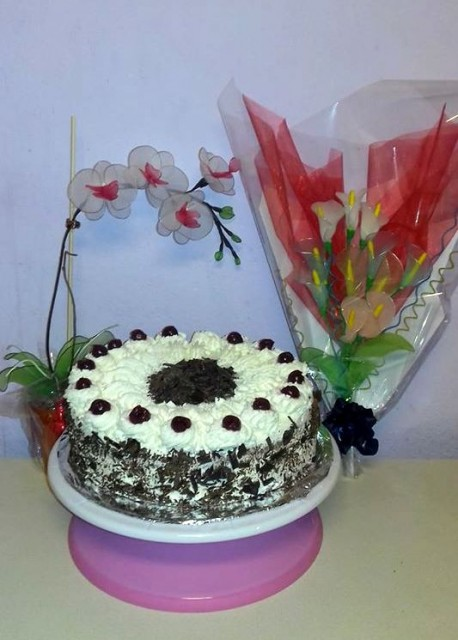 Schwarzwaldska višnjeva torta - foto