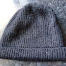 Črna moška kapa 3 €