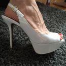 Beli sandali lakirani