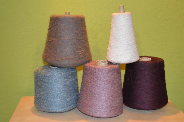 Prodam volno - pletenje, kvačkanje, ...  - foto