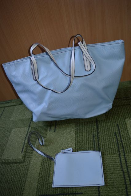 Dodatki / torbice, pasovi, bleščice - foto