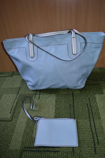 Modra torbica z belim ročajem + mala torbica - 12 eur