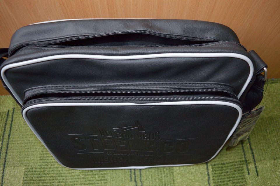 Dodatki / torbice, pasovi, bleščice - foto povečava