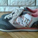 Dekliški čevlji št. 37