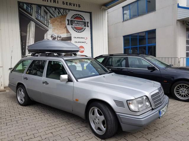 Mercedes benz slovenina - foto