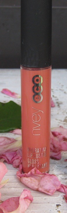 Lip gloss NveyEco, odtenek Lolita. IC = 3 eur