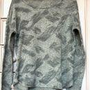 22j. Tanjši pulover, velikost ocenjena na M   IC = 4 eur
