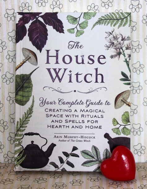 24. THE HOUSE WITCH    IC = 8 eur