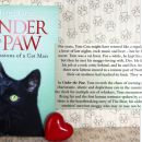 37.UNDER THE PAW, Tom Cox   IC = 5 eur