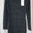 86.  Obleka, črna s srebrnim vzorcem,    Cena: 6 eur ( + 2 eur poštnina )