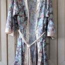 23. Jutranja halja, M         IC = 4 eur