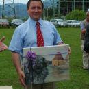 Rajko Rotner z darilom s strani DLVKOS
