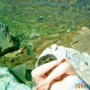 voda je bila kot biser , drugod po obali meduze