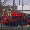 še ena, v ozadju slovenska zastava v čast obiska