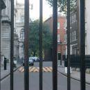 dvorišče od tunčeka - Tony-ja Blair-a