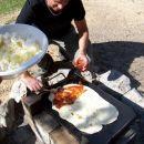 Tomaževo picno  specialiteto na roštilju