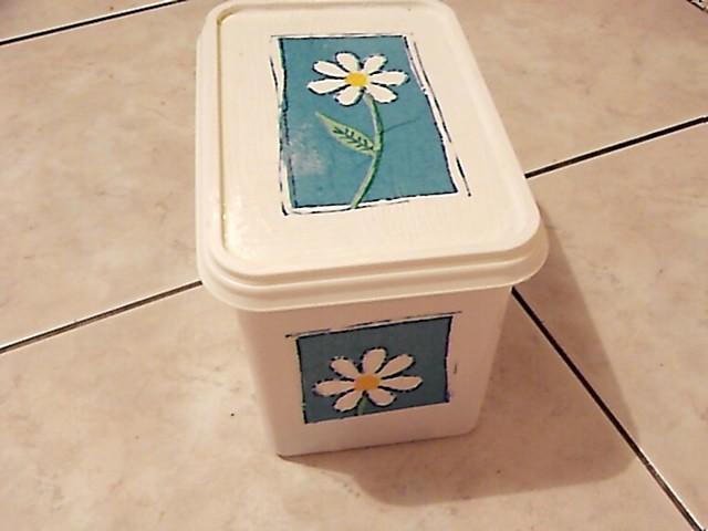 škatla od sladoleda za picpoint cverne