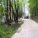 Cesta ob trasi