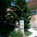 na obzidju pre cerkvico