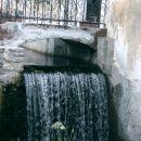 Kropa -padanje vode
