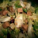 solata s tunino, fižolom in kuhano rdečo lečo