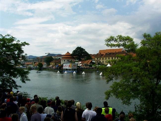 Prvi flight day na Dravi, v Mariboru - foto povečava
