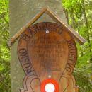 Tabla pred mostom nam pove še nekaj podrobnosti o njem.