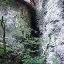 Galerije so leseni mostovi, ki nam omogočijo nadaljevanje poti skozi najožji del soteske.