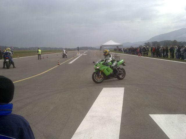 Drag race 10 letališče CFH - foto