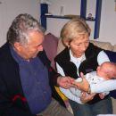 Filip z dedijem in babi.